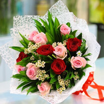 Red and Pink Roses Bouquet